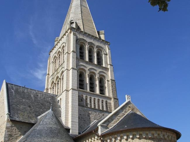 Eglise-romane-ND-D