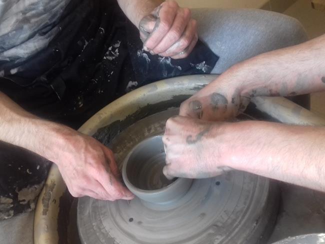 stage-poterie-enfants-maison-du-potier-le-fuilet-montrevault-evre-osezmauges