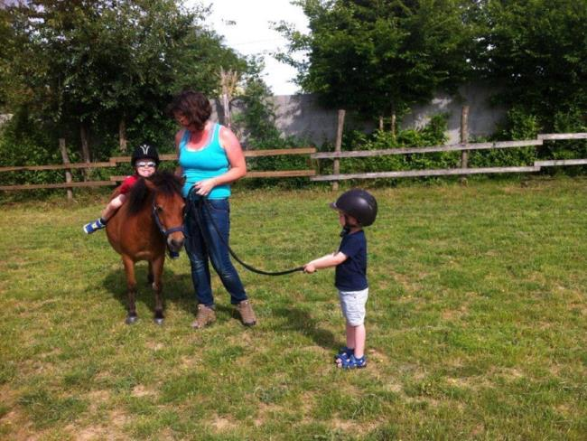 balade-poney-enfants-vignes-en-selle-sevremoine-nantes-cholet