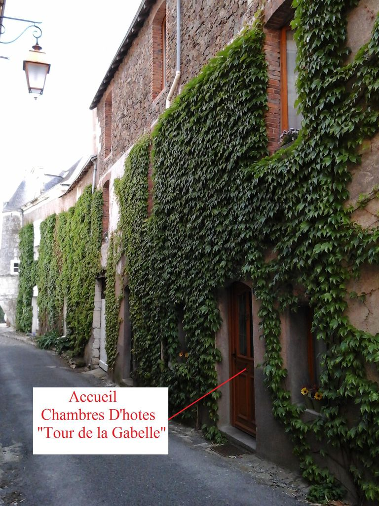 chambres d 39 h tes tour de la gabelle mauges sur loire. Black Bedroom Furniture Sets. Home Design Ideas