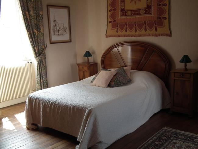 chambres-hotes-lumieres-loire-stflorentlevieil (1)