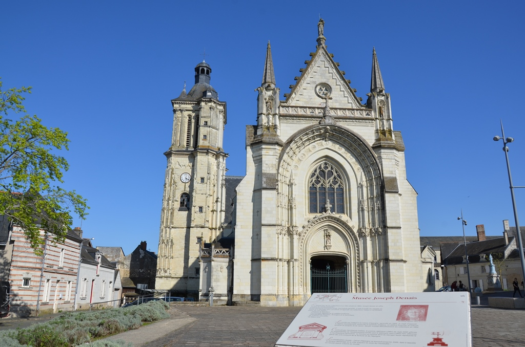 eglise-beaufort-en-vallee-3