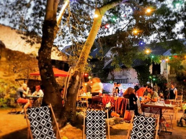 gterasse-guinguette-au-bout-del'île-restaurant-bar-montjean-sur-loire-anjou